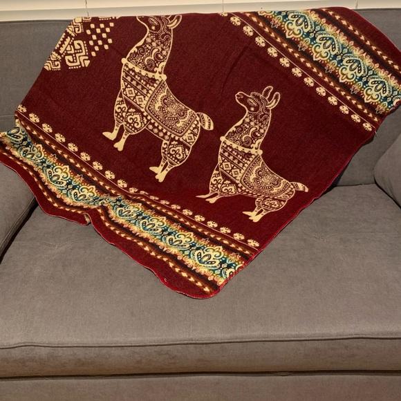Alpaca wool blended blanket from Ecuador